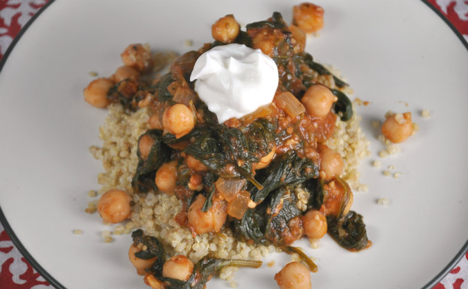 Spinach and Chickpea Curry with Greek Yogurt and Lemon