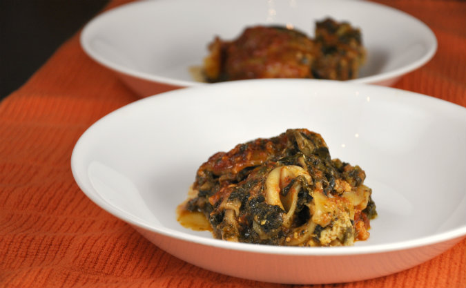 Slow Cooker Pesto Lasagna with Spinach, Mushrooms, and Sausage