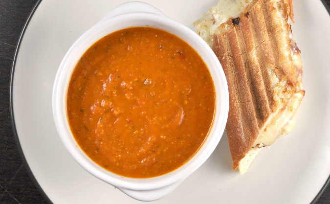 Garlicky Roasted Tomato Soup