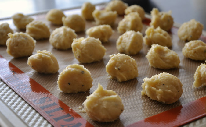 Gougeres (cheese puffs) with manchego and black pepper